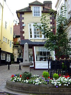 The Crooked House Tea Rooms in Windsor town centre circa 1592  Berkshire, UK next to Queen Charlotte Street, the shortest street in Britain, don't walk too quickly or you will miss it! There is a secret tunnel in the house that leads to Windsor Castle said to have been used for illicit trysts between Nell Gwynn and Charles II