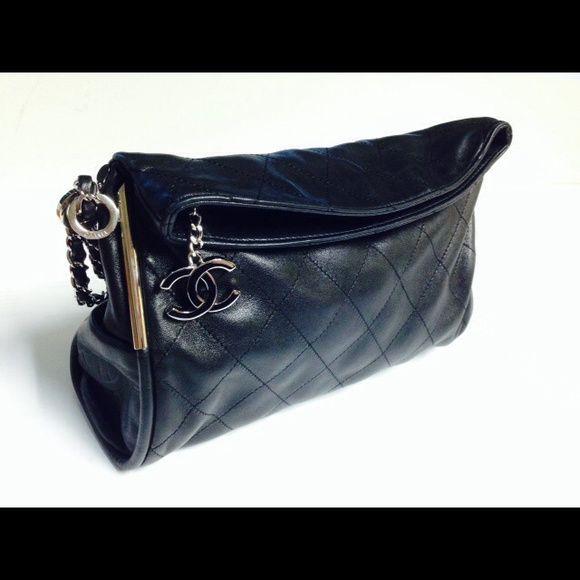 100% Authentic Chanel flap shoulder bag Chanel black Lambskin ... 8188694a309df