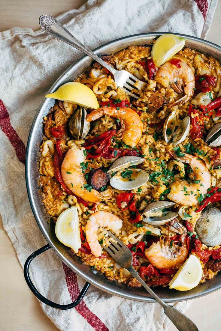 447 best paella cioppino images on pinterest recipes cooking seafood paella forumfinder Image collections