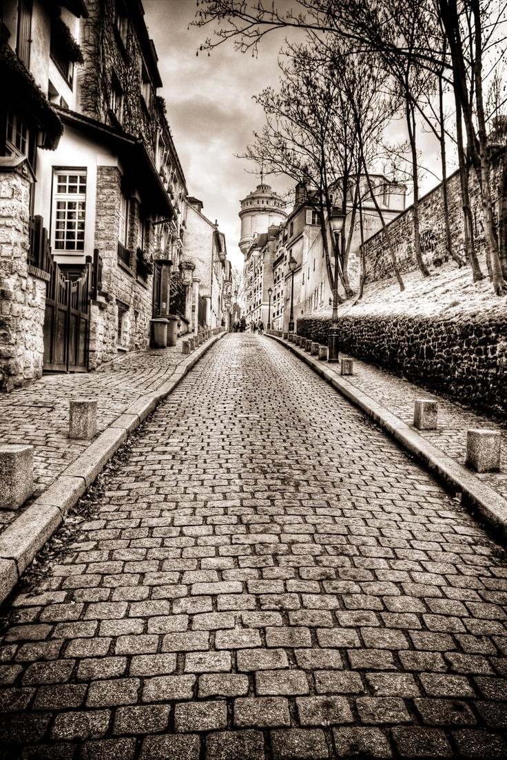 .Photos, Paris Black And White, Montmartre Autrefois, Red Roses, Places, Pretty, Paris B W, Photography, Montmartre Paris