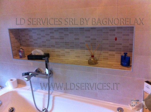 Ristrutturazione nuovo bagno, realizzazione mosaico