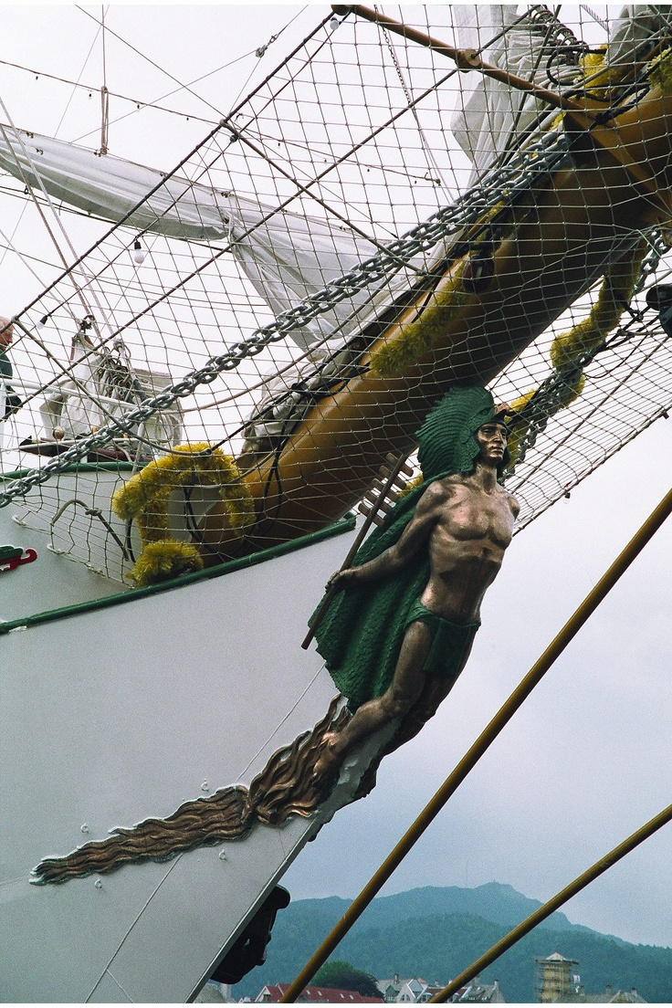 Snap Ship S Figurehead Carving Boathousesboatsetc Pinterest On Viking And Sailing Ships 17 Best Images About Figureheads Museums Hms Victory