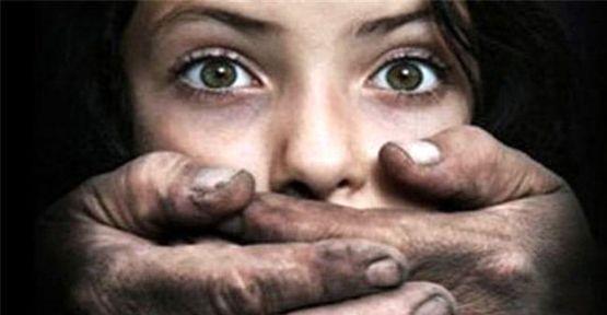 Arap kadını seks grevinde