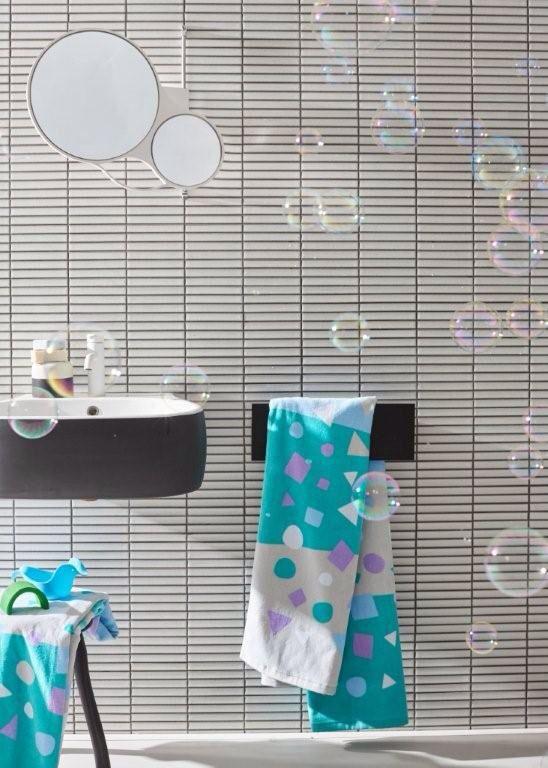 Così Confetti Stripe Children's Bath Sheet