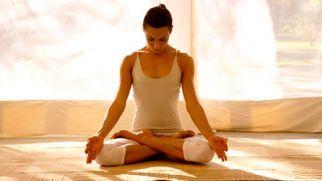Йога для начинающих дома — описание асан, правила тренировок