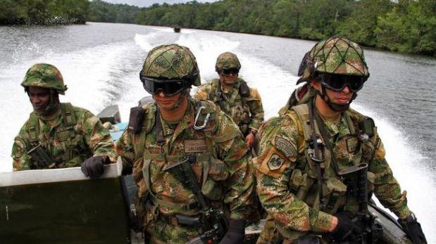 Efectivos de la Policia de Colombia y de la Fuerza Armada de Venezuela intercambiaron disparos sobre un rio que delimita la frontera. Feb 04, 2016.