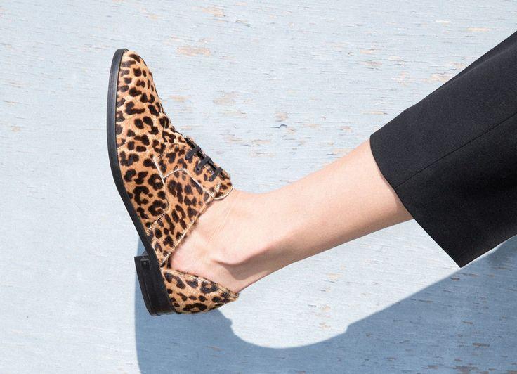 FREDA SALVADOR Wit D'orsay Oxford - Cheetah Hair Calf. #fredasalvador #shoes #