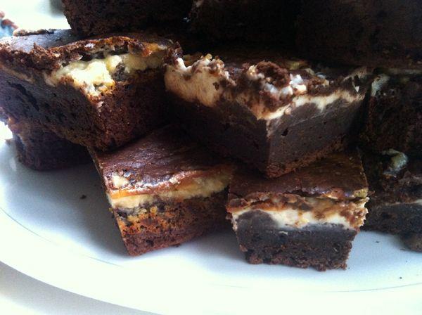 Gek op brownies? Gek op Tiramisu? OhMyFoodness combineert deze twee heerlijkheden, lees hier hoe je zelf tiramisubrownies maakt!