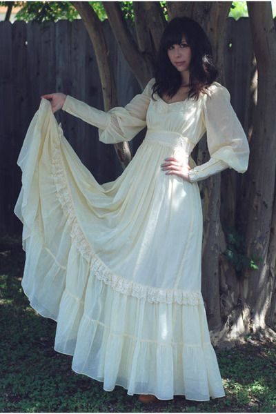 Gunne Sax Dress - They were THE fashion dress to have in the late 1970s. My Prom dress was Gunne Sax.