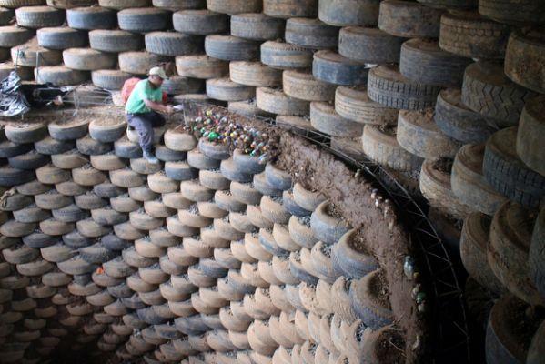 Cisterns — Los Técnicos - Radically