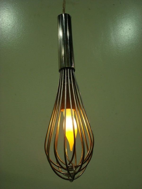 A whisk is actually a perfect utensil which can be used for a kitchen light fixture - especially for bakers. #kitchen #design #lighting #whisk #baking