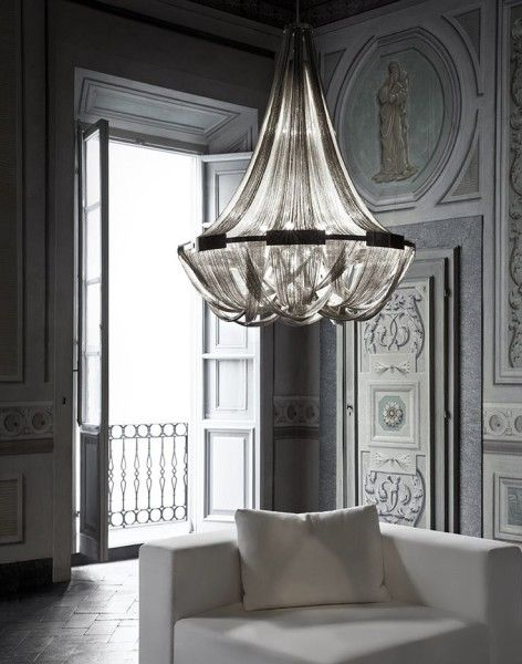 Get inspiration for your work in progress: a new hotel decor project! Find out the best luxury chandelier inspirations for your interior design project at insplosion.com