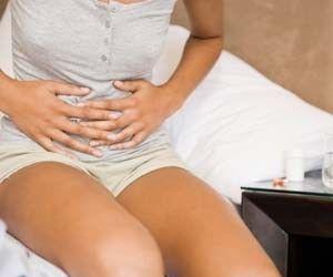 Пять врагов поджелудочной железы http://ukrainianwall.com/health/pyat-vragov-podzheludochnoj-zhelezy/  Увлечение слишком жирной или сладкой пищей, кофе или газированными напитками можетпривести к воспалительным заболеваниям поджелудочной железы. Газированные напитки Пузырьки газа наносят большой вред органам пищеварения. Они раздражают стенки пищеварительного тракта,