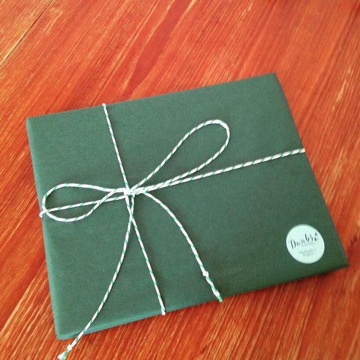 Elegant packaging from Daubs & Dashes #greenpackage #bakerstwine #packaging #freegiftwrapping #freeukdelivery #daubsanddashes #autumncollection #scarfaddict