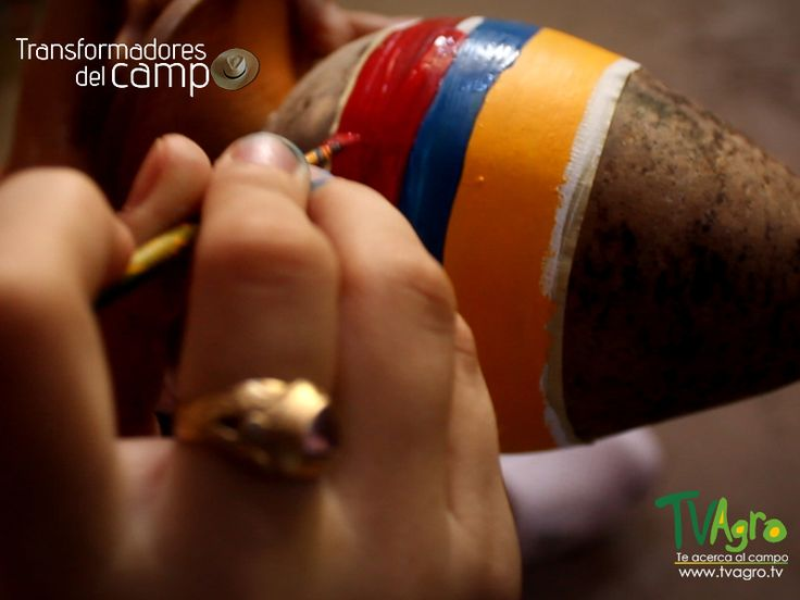 Transformadores Del Campo: Trabajo Artesanal con Totumo.