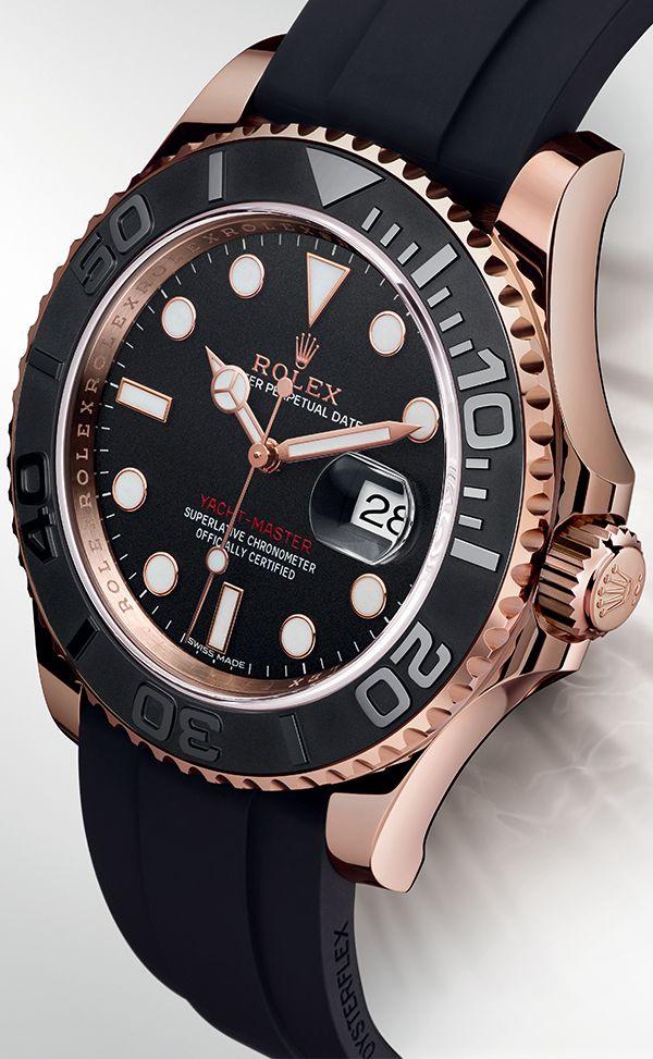 Este es un reloj.It está hecho de oro.It es caro, y para fiestas de fantasía.