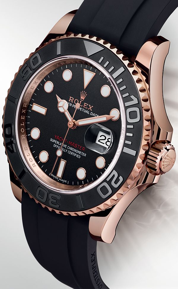 Rolex Yacht-Master 40 in 18kt. EverRose Gold. With black Oysterflex band and black ceramic bezel.
