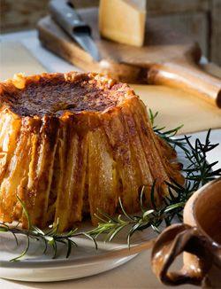 Schorseneren-pompoentaart  Voor 4-6 personen  Schil de pompoen, snijd hem in parten en verwijder de zaadjes. Rasp het vruchtvlees. Rasp ook de Parmezaanse kaas.  (Lees verder…)