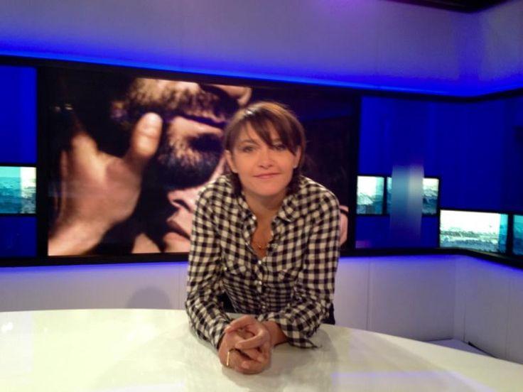 Elle y est formidable et le film est un petit bijou Emma de Caunes à #Tv5monde pour  #LesChateauxDeSable