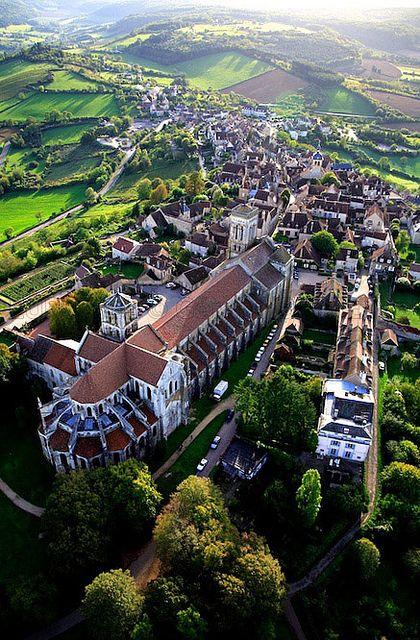 Basilique Sainte-Marie-Madeleine de Vézelay (1104-65) Bourgogne, France