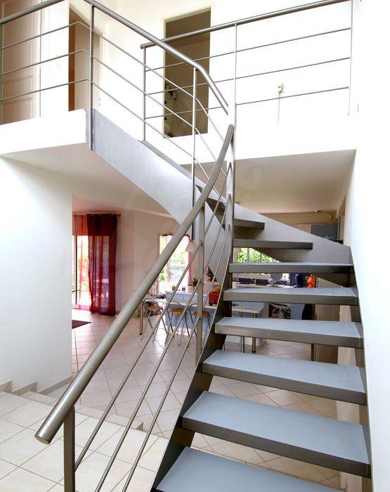 1000 images about un escalier en acier et b ton laissez monter le silence - Escalier interieur droit ...