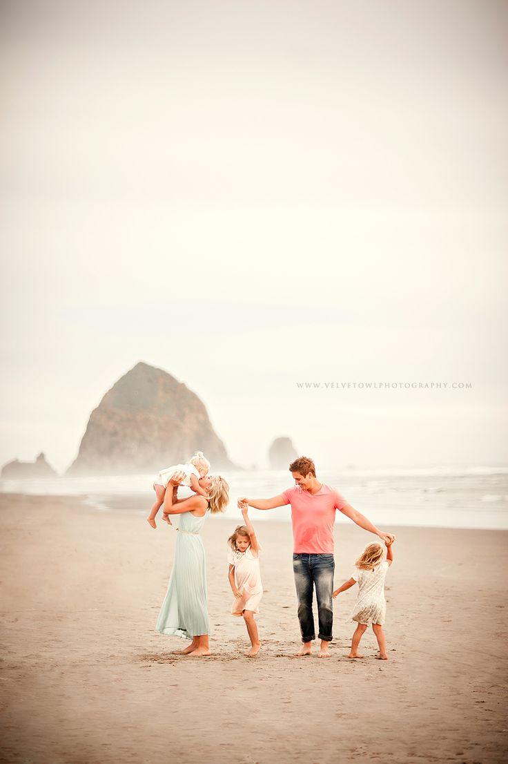 Borders Family :: {Cannon Beach, Haystack Rock, Lifestyle Family Photographer} » Velvet Owl Photography Blog