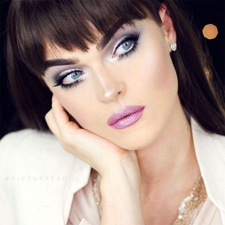 P I N K  D I A M O N D  ZOEVA - En Taupe Palette P2 - Taupe Chrome  KRYOLAN - SP113 MAYBELLINE - eyeliner white  SIGMA - Sinuosity lash mascara Lips  MAKEUP FACTORY - Mauve violet MAC - Cheers my Dear Pigment  #zoeva #zoevacosmetics #p2cosmetics #kryolan  #makeupfactory  #maccosmetics #sigmabeauty  #vegasnay #vegas_nay #brian_champagne #anastasiabeverlyhills #makeupmobb  #inssta_makeup #instamakeup #universodamaquiagem_oficial #maquiagem #maquillage #maquillaje #макияж #makeupmafia