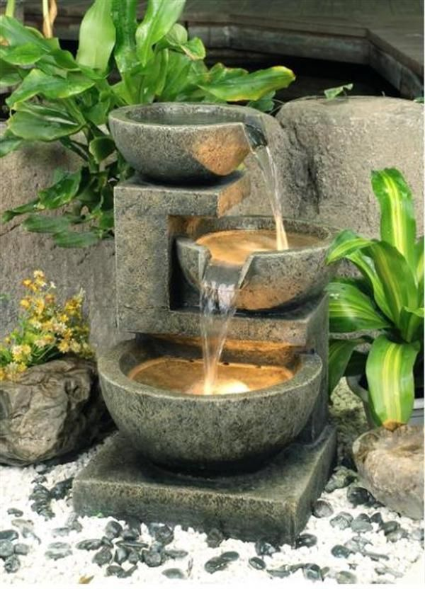 Originelle Gartengestaltung Springbrunnen Aus Beton Springbrunnen Garten Brunnen Garten Terrassenbrunnen