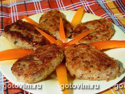 Специально для любителей вегетаринства и верующих людей в пост предлагаем рецепт картофельных котлет с грибами.
