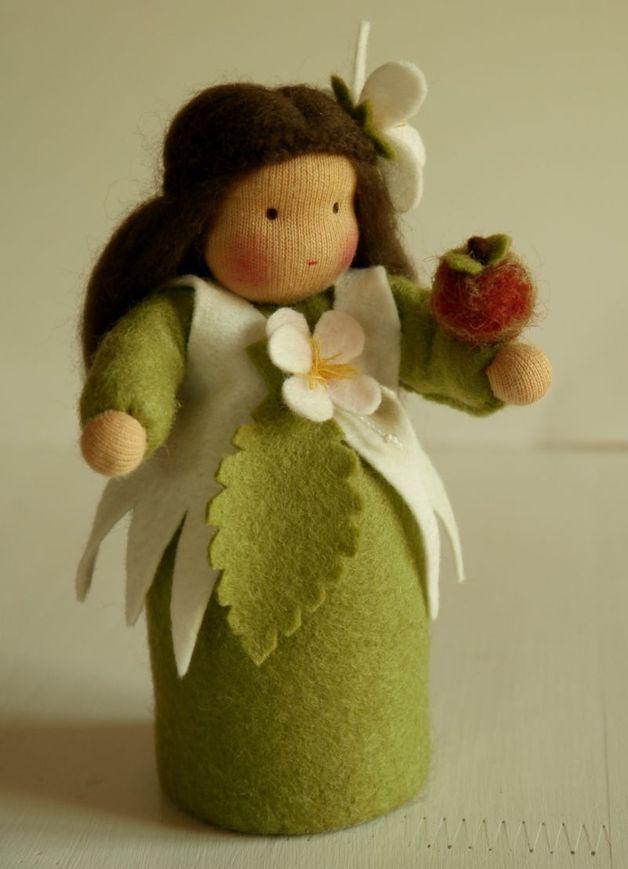 Herbst - Apfelmädchen - ein Designerstück von luisepuppen bei DaWanda