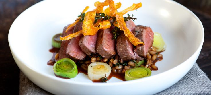 Venison Haunch Steaks with Spelt, Leeks and Red Wine Sauce