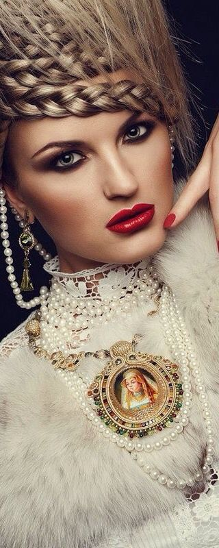 Girls in Pearls™ | House of Beccaria~