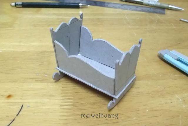 how to make a miniature house out of cardboard