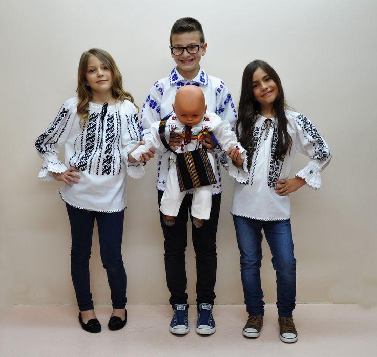 Costume populare de fetite si baieti traditional romanesti