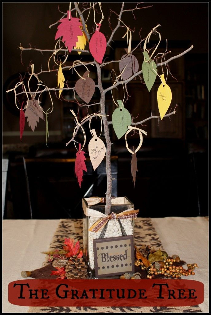 The Gratitude Tree - Easy and meaningful centerpiece for any Thanksgiving table! www.lets-get-together.com #thanksgiving #centerpiece