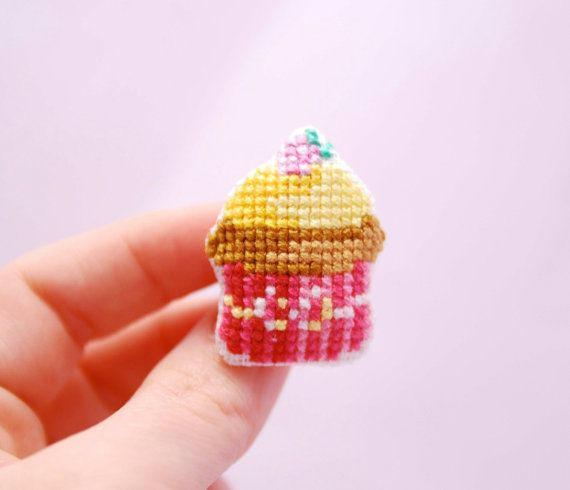 Kawaii Cupcake Brooch. Cross stitch Retro by MeandMamaCreations