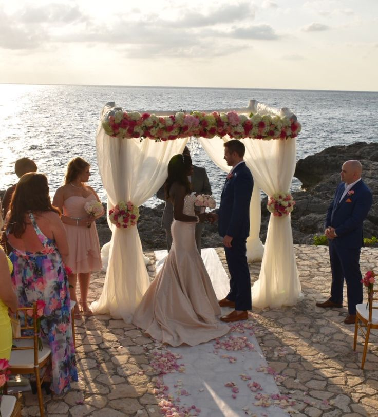Have A Beautiful Destination Wedding Like Nbc S Checkey Beckford At Tensing Pen In Negril Jamaica