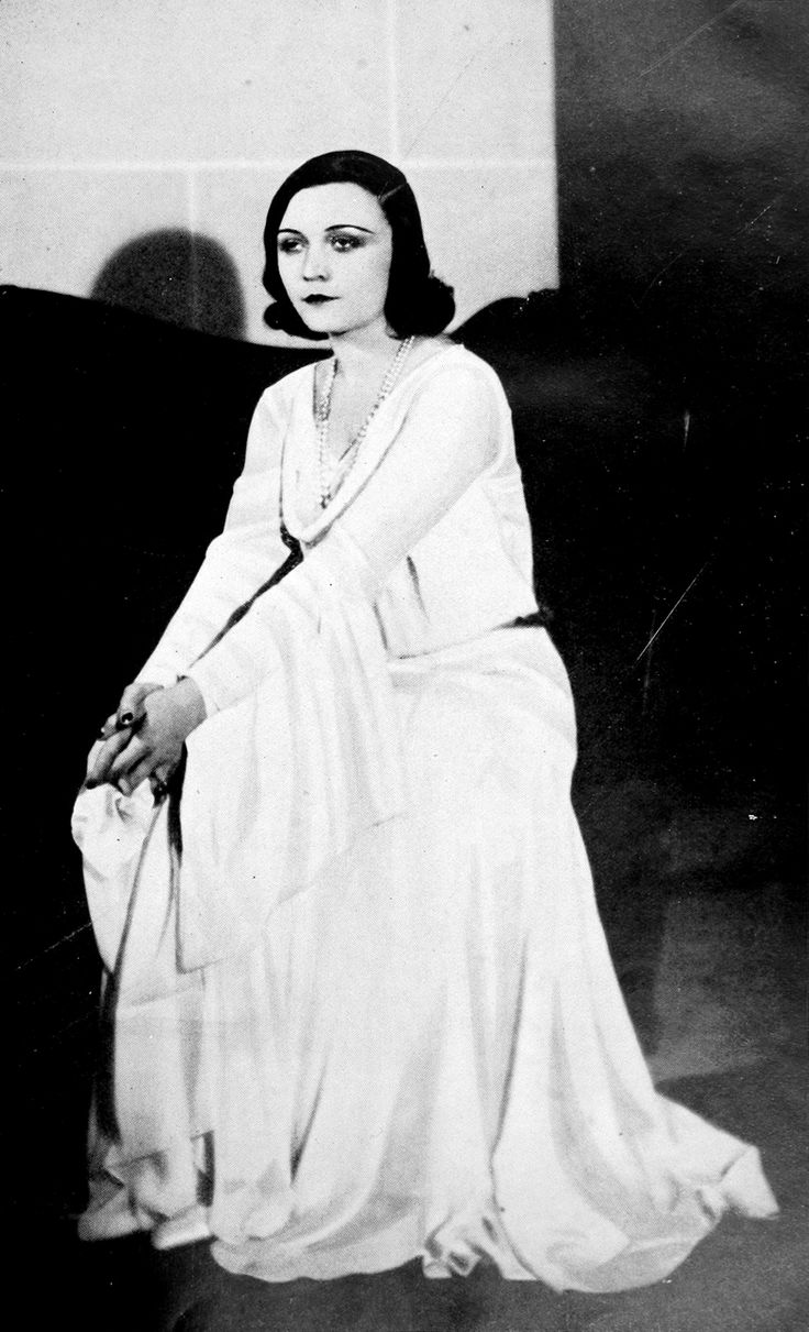 Pola Negri in a dress by Jeanne Lanvin, Les Modes January 1931. Photo by Alfred Talbart.