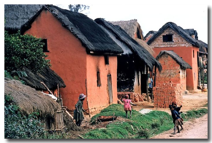 Madagascar: Malagasy red-mud houses - Antsirabe, Antananarivo