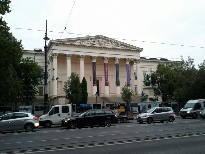 Hungarian National Museum between Astoria and Kalvin square