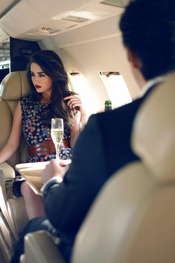 Le jet priv de luxe en 50 photos chaises en cuir - Jet prive de luxe interieur ...
