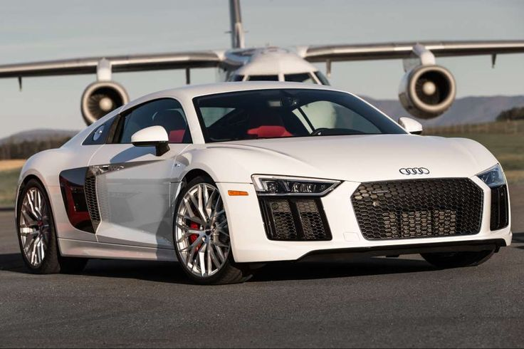 2017 Audi R8 V10 First Drive Review: Running in the Shadows. 2017 Audi R8 V10 front three quarter 02.