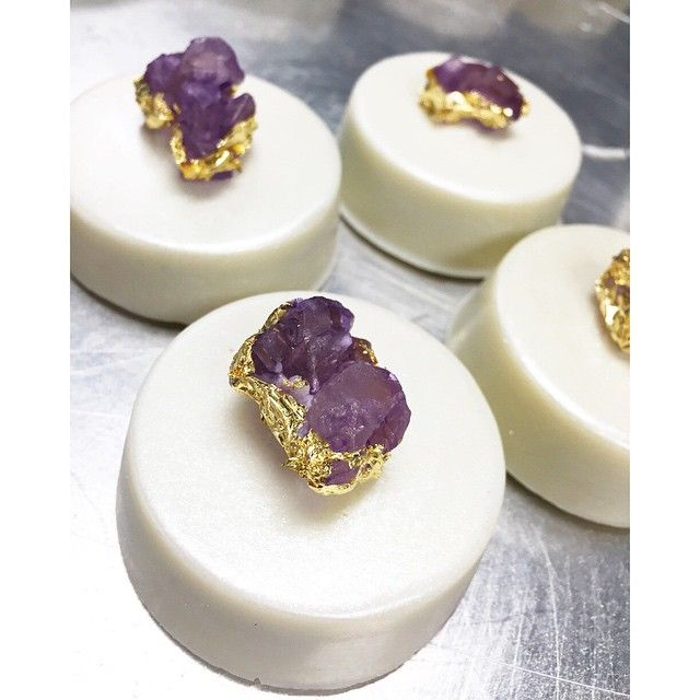 """Chocolate covered Oreos topped with gold leafed rock candy for a """"real"""" gem look!"""