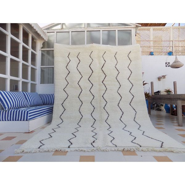 Beni Ourain Rug 2.1m X 3m (17525 NIO) ❤ liked on Polyvore featuring home, rugs, floor & rugs, grey, home & living, grey area rug, chevron pattern rug, patterned rugs, gray wool rug and hand knotted rugs