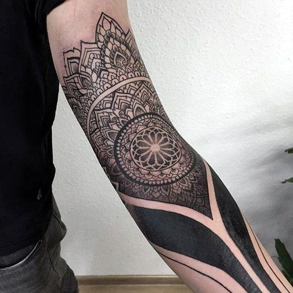 Bien connu Oltre 25 fantastiche idee su Tatuaggi avambraccio uomini su  SO39