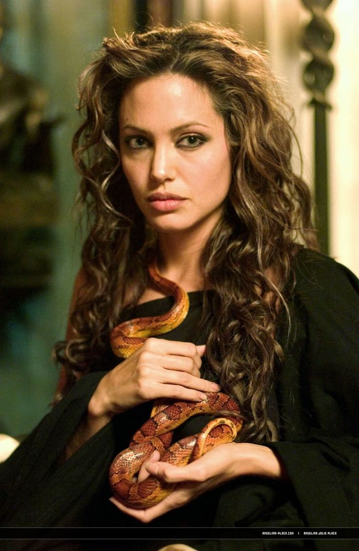 Love her hair~Angelina Jolie Alexander The Great