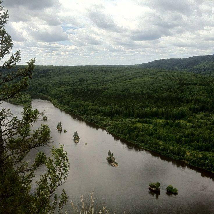 Река Вишера. Вид с камня Ветлан. #вишера #река #красновишерск
