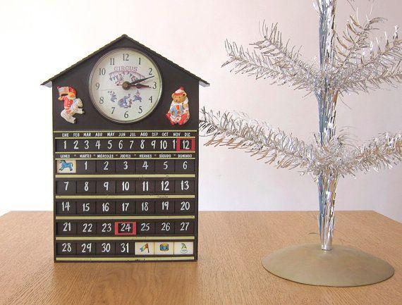 Children's Wall clock with calendar / Teaching clock / Circus / Clowns / House