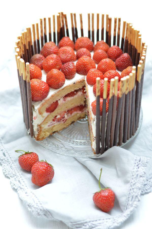♥ Erdbeer-Mikado-Törtchen | fabulous