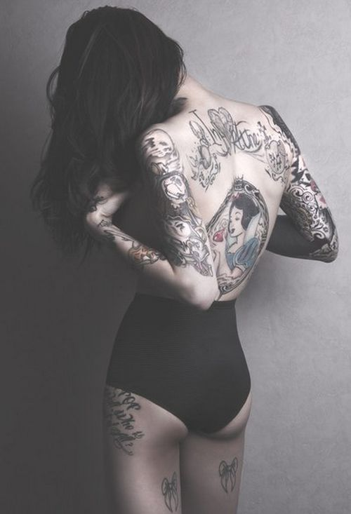 GALLERY : A Selection of our Favourite Suicide Girls - Celebrating Tattoos, Piercings and Pin-up - PART 1